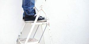 Comment s'équiper normalement pour les travaux de bricolage en hauteur ?